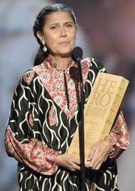Robin Lim is CNN Hero of the Year, December 2011