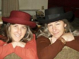 Brenda and sister Deanna