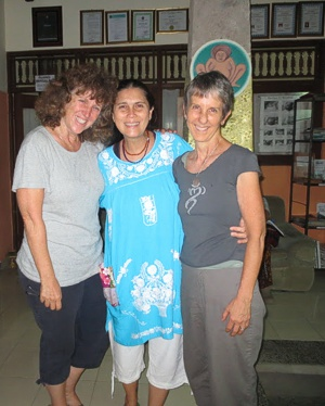 Brenda Hinton with Ibu Robin Lim (center) and Amy Rice at Bumi Sehat Birthing Center in Bali